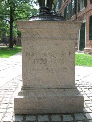 Nathan Hale Statue Pedestal image. Click for full size.