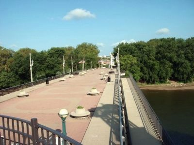 Looking toward West Lafayette - - John T. Myers Pedestrian Bridge image. Click for full size.