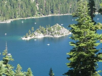 Fannette Island in Emerald Bay image. Click for full size.
