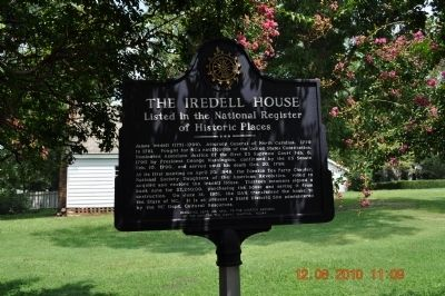 The Iredell House Marker image. Click for full size.
