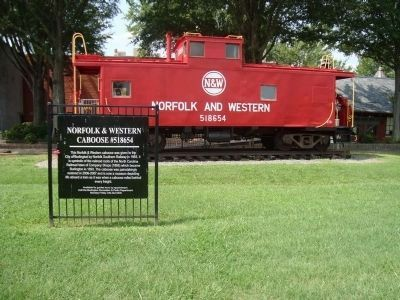 Norfolk & Western Caboose #518654 Marker image. Click for full size.