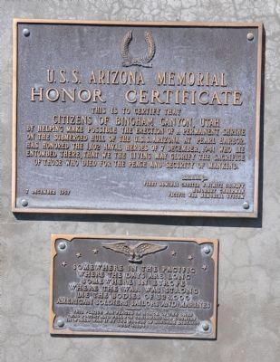 Plaques on east face of Memorial image. Click for full size.