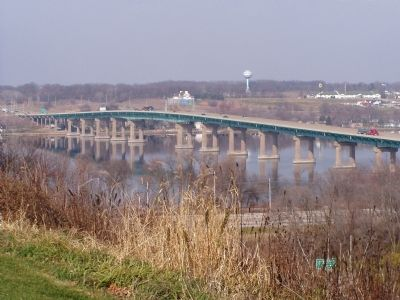Interstate 80, Blue Star Highway crossing the Mississippi River Into Iowa image. Click for full size.