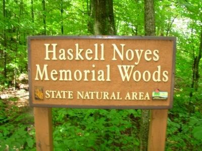 Haskell Noyes Memorial Woods Sign image. Click for full size.