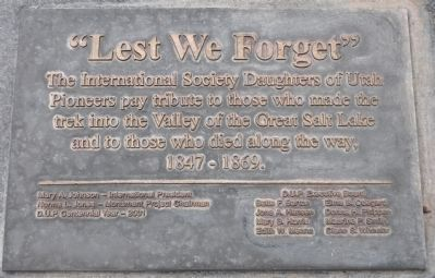 Lest We Forget Sculpture Marker image. Click for full size.