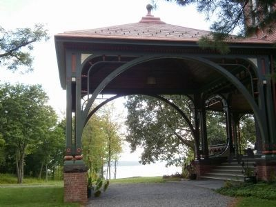 View of the Hudson River through the porte-cochère image. Click for full size.