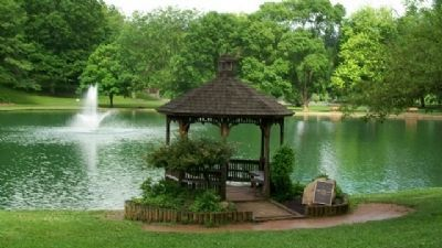 Rising Park Pond and Gazebo image. Click for full size.