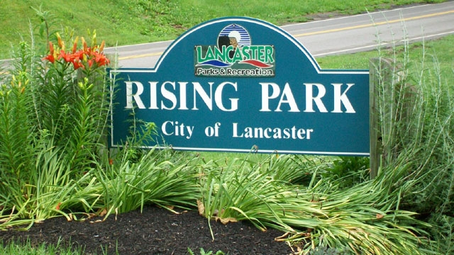 Rising Park Sign on High Street