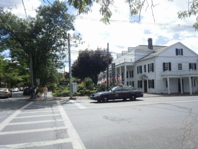 Southwest corner of the center of Rhinebeck - Beeckman Arms Inn image. Click for full size.