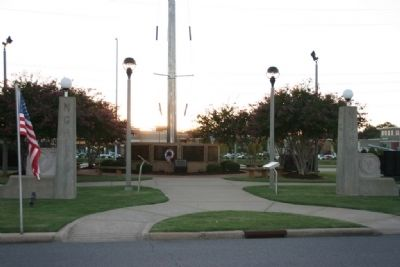 Replicas gates for Northington General Hospital atTuscaloosa County Veterans Memorial Park image. Click for full size.