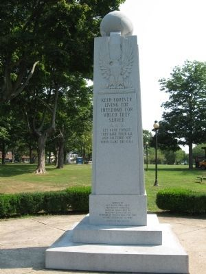 East Haven Veterans Monument image. Click for full size.