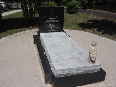 Alex Haley's Grave image. Click for full size.