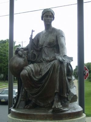Close-up of the Memorial's Statue image. Click for full size.