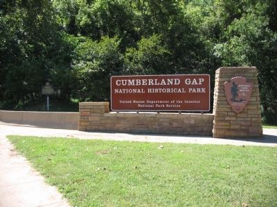 Entrance to Cumberland Gap Park and Marker image. Click for full size.