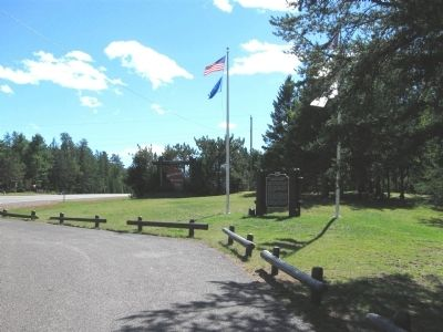 Thirty-Second Division Memorial Highway and Marker image. Click for full size.