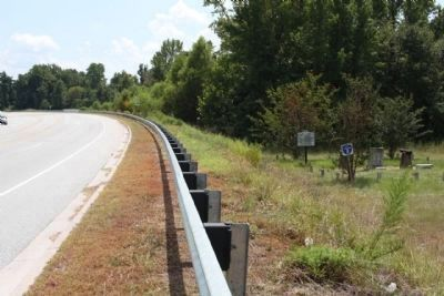 Battle of Dingle's Mill Marker, looking south along Manning Road (US 521) image. Click for full size.