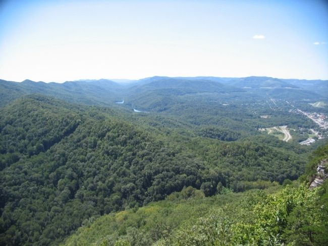 View of the Kentucky Side of the Gap image. Click for full size.