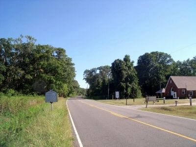 Smiths Neck Rd (facing south) image. Click for full size.