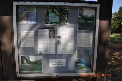 Natchez Trace Parkway Information Board image. Click for full size.