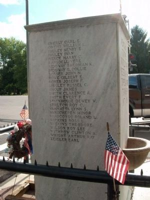 West Side - - World War I Veterans Memorial Marker image. Click for full size.