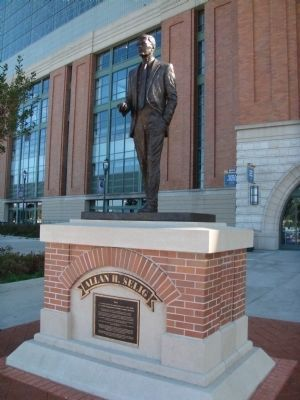 Allan H. Selig Marker and Statue image. Click for full size.