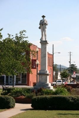 Confederate Monument in the Town Square image. Click for full size.
