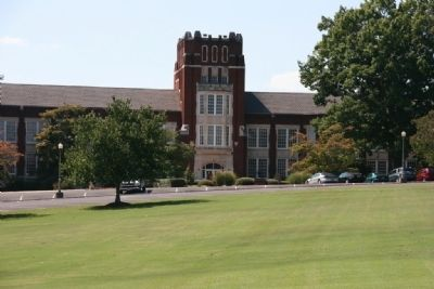 Bibb Graves Hall at Jacksonville State University image. Click for full size.