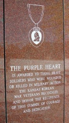Korean War Veterans Memorial Purple Heart image. Click for full size.