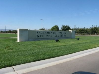 Entrance to the Sacramento Valley National Cemetery image. Click for full size.