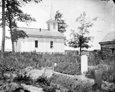 Chapel at Fort Darling and soldier's graves image. Click for full size.