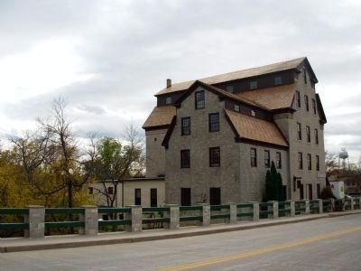 Cedarburg Mill image. Click for full size.