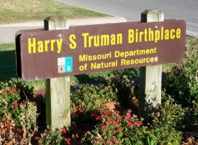 Harry S. Truman Birthplace Sign image. Click for full size.