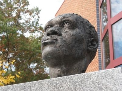 Bust atop the Paul Robeson Marker image. Click for full size.
