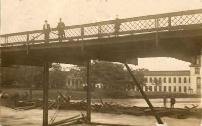 Camperdown Mill No. 2 -<br>Iron Footbridge image. Click for full size.