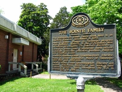 The Joiner Family Marker image. Click for full size.