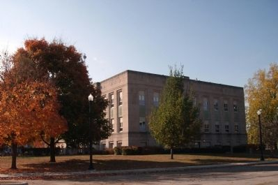North / East Corner - - Fountain County Courthouse image. Click for full size.