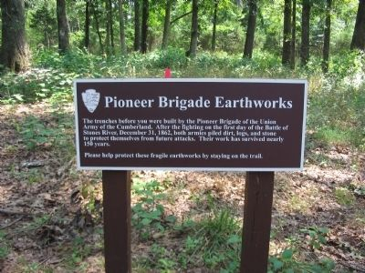 Pioneer Brigade Earthworks Marker image. Click for full size.