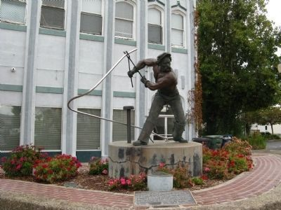 """The Steelworker in Pittsburg"" Sculpture and Marker image. Click for full size."