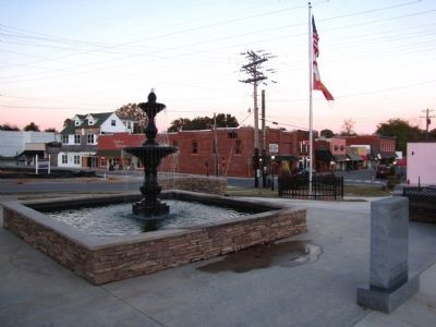Heritage Park & downtown Rogersville image. Click for full size.