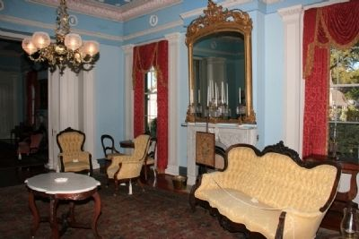 Front Parlor image. Click for full size.