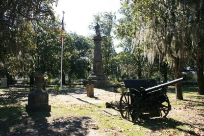 Confederate Monument and Memorial In the Live Oak Cemetery image. Click for full size.
