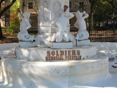 Soldiers Memorial Fountain image. Click for full size.