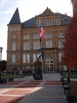 Veterans Memorial -and- Front Entrance of Tipton County Courthouse image. Click for full size.