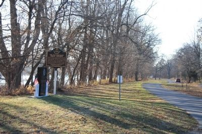 Winchester's Camp No. 3/Fort Starvation / The Old Kentucky Burial Grounds Marker image. Click for full size.