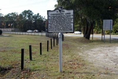 Confederate Lines Marker seen along Old Georgetown Road...US 17 in background image. Click for full size.