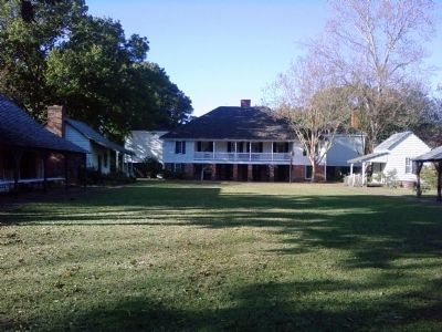 Kent Plantation House image. Click for full size.