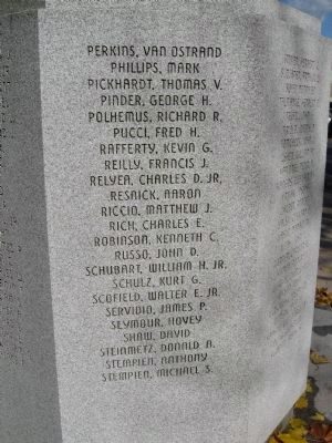 Greenwich Veterans Monument Marker image. Click for full size.