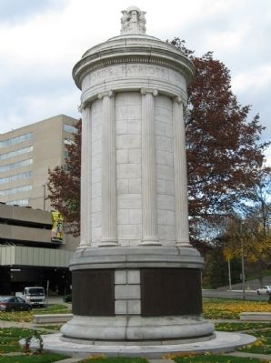 Stamford Veterans Monument image. Click for full size.