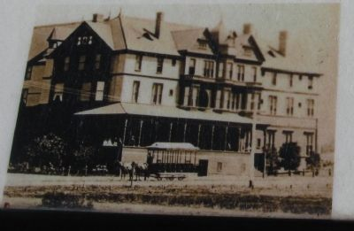 The Ramona Hotel and Horse-drawn Streetcar image. Click for full size.