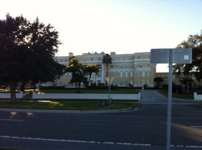 Academy of the Holy Names from Bayshore Blvd image. Click for full size.